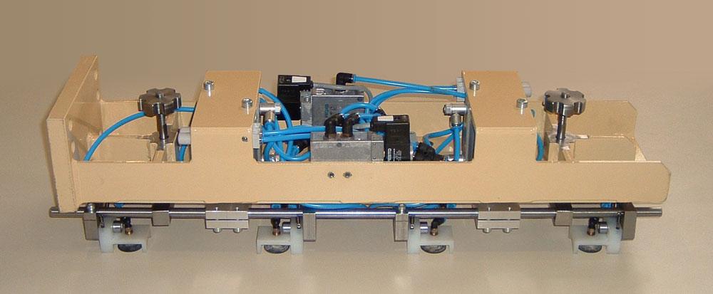 Vakuumhebeeinrichtung für Edelstahlbleche im Automotive Bereich